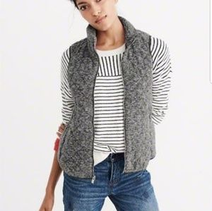 Abercrombie & Fitch Quilted Grey Vest